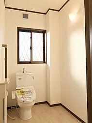 「トイレ:1階」老後の対応も考え、広く設計されてます。