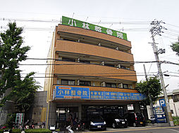 大阪府八尾市桜ヶ丘2丁目の賃貸マンションの外観