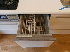 家事の時間が短縮できる便利な食洗機付きです。