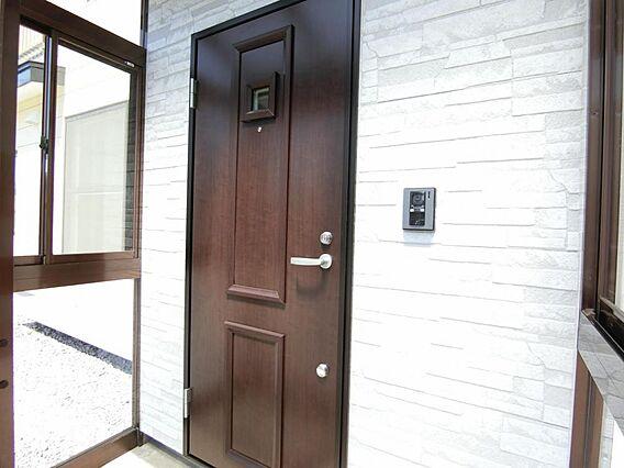 【玄関ドア】新...