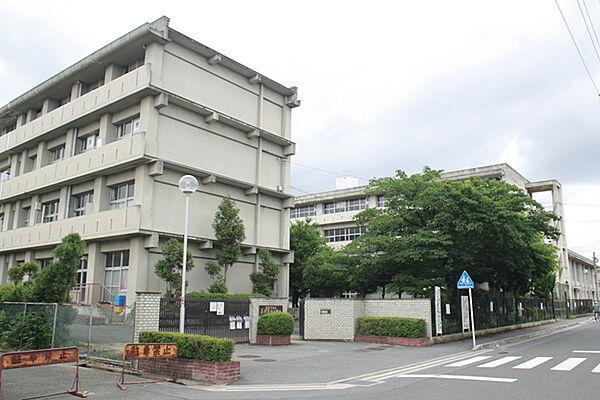 長岡京市立長岡第06小学校まで414m