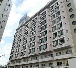 東京都足立区西新井栄町2丁目の賃貸マンションの外観