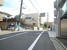 前面道路含む現地外観:平成29年11月2日撮影