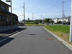 北西北東への北西側接道です。