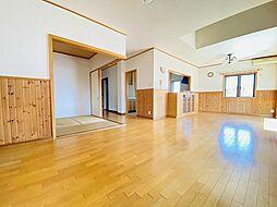 公道面東南角地土地面積40坪超の資産価値の高い戸建 4LDKの居間