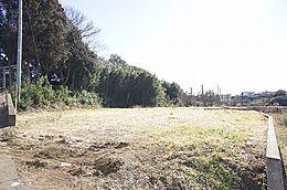 現地土地写真です。敷地は広々約206坪ございます。