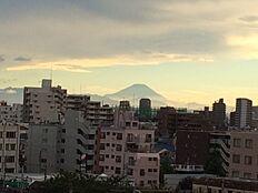 天気の良い日には富士山が望めます。