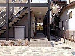 埼玉県越谷市東越谷6丁目の賃貸アパートの外観