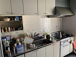 収納豊富で調理場も広いキッチンお料理の効率も上がりますね