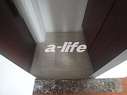 ワコーレ神戸元町アクシアの玄関