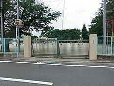 松庵小学校まで徒歩12分(960m)