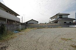 43坪超の敷地はお好きなハウスメーカーで建築可能です。