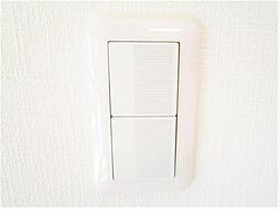 同仕様写真照明のスイッチは全てコスモに変更予定です。