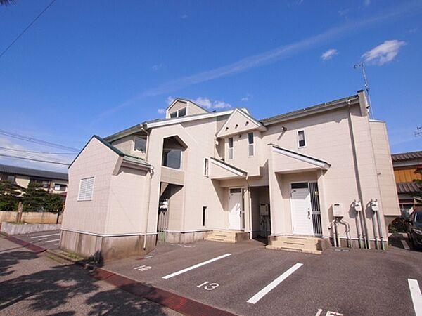 新潟県新発田市本町3丁目の賃貸アパートの外観