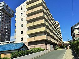 8階建ての立派なマンションです