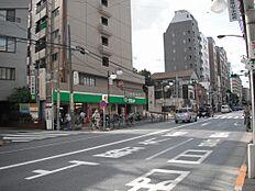 スーパーサミット千駄木店まで215m