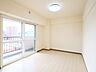 リビングに隣接した6帖の洋室はお子さまのプレイルームとして活用することもできます。,3LDK,面積74.68m2,価格1,380万円,札幌市営南北線 平岸駅 徒歩1分,札幌市営南北線 中の島駅 徒歩8分,北海道札幌市豊平区平岸二条8丁目