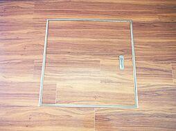 便利な床下収納付。買い置きなどの収納に便利ですね。