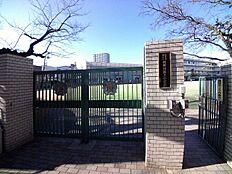 小学校北区立 滝野川第三小学校まで647m