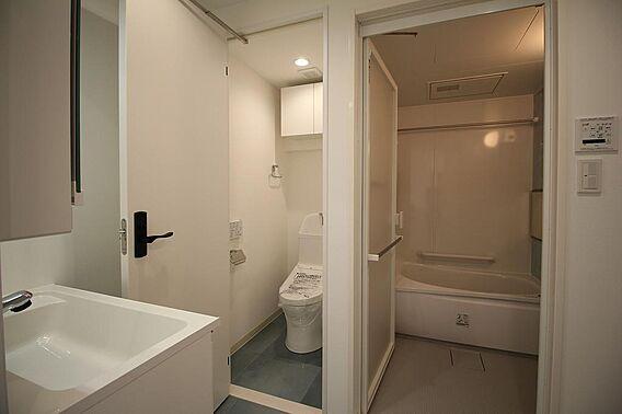 洗面所に浴槽・...