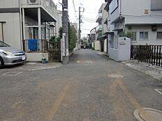 前面道路(10m)