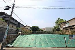 B区画:175.55平米(約53.10坪)B区画は、南側が隣地通路約3mのため、陽当たり、通風良好です。