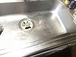 シンクも広く洗い物もしやすいです