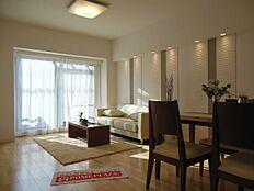 15.1帖の広々LDKは家具の配置の自由度が高いです