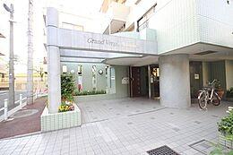 都営三田線「西台駅」徒歩8分・リビング天井2.65mのゆとりのある住空間。