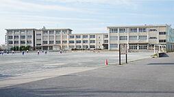丹陽中学校まで徒歩約35分。足腰が鍛えられそうですね。