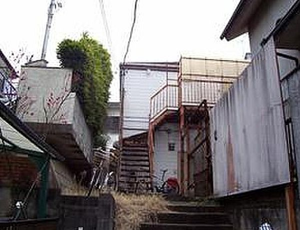 神奈川県川崎市多摩区南生田3丁目の賃貸アパートの外観