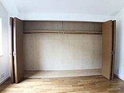 1階洋室 収納スペース