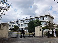 小学校武蔵村山市立第二小学校まで360m