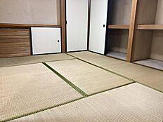 和室2:6畳の和室です。客間として使用されるといいかもしれませんね。