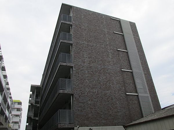 PH-3[1階]の外観