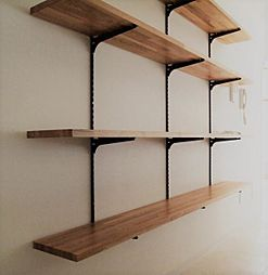 〜飾り棚プラン例〜足場板を使用した飾り棚設置(同一タイプ)工事費25万(価格に含みません)