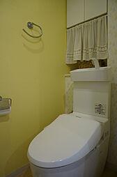 内装リフォーム済(天井・壁クロス貼替え、手洗い付便器交換等)のトイレ