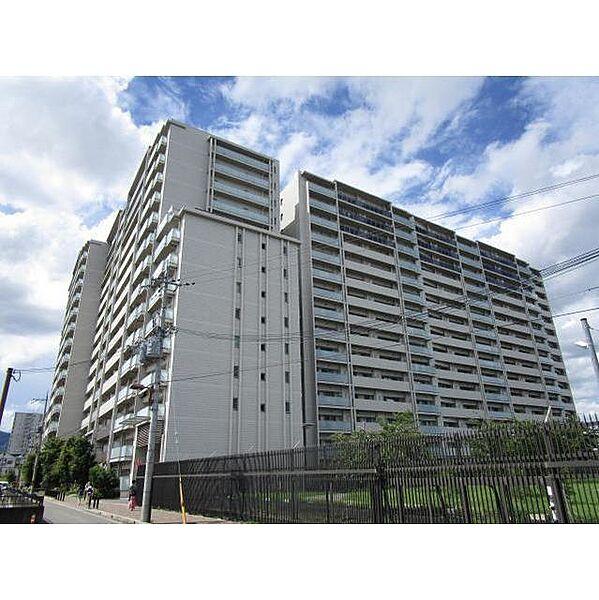 京都桂川つむぎの街グランスクエア[8階]の外観