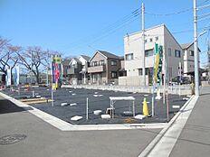 駅徒歩9分、敷地面積36坪以上。全14区画の大型分譲地内、建築条件無し売地。