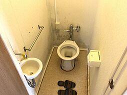 広々としたトイレです。リフォームプラン提案致します。