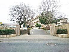 小学校水戸市立見川小学校まで603m