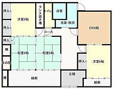 間取りは4DKの平屋になります。DK横の和室をLDKへ間取り変更いたしました。
