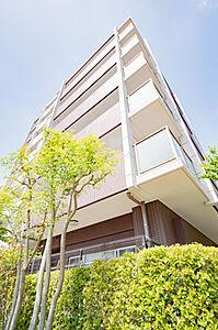 時間のゆとりと空間、爽やかな陽光がもたらす光と風を贅沢なまでに感じる暮らしが始まります。,3LDK,面積63.79m2,価格2,699万円,JR中央線 豊田駅 徒歩16分,JR八高線 北八王子駅 徒歩14分,東京都八王子市高倉町