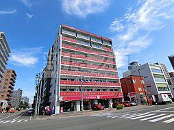 ・赤いマンション北大前[6階]の外観