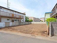 周辺は低層住宅広がる静かで落ち着いた住環境です。