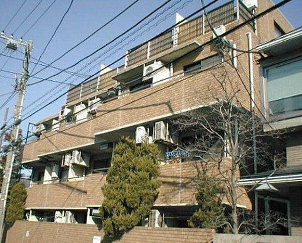 東京都世田谷区宮坂2丁目の賃貸マンションの外観