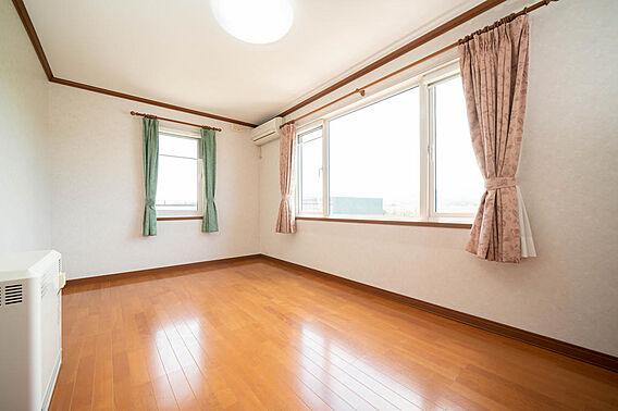 2階 洋室(4...