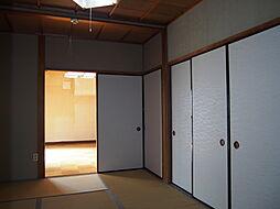 洋室と繋がる和室。