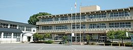 つくばみらい市立福岡小学校(1111m)