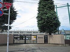 立川市立第四中学校まで1360m、最寄りの中学校です。